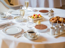 Brunch with Champagne at Le Meurice