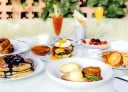 Sunday brunch at the Polo Lounge